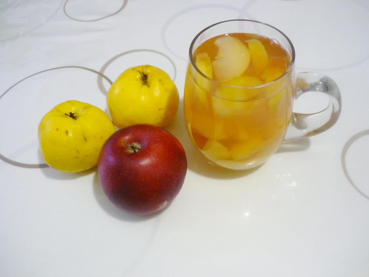 Айвовый компот с яблоками