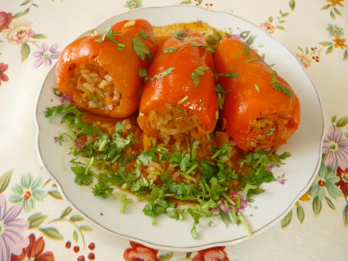 Болгарский перец фаршированный овощами