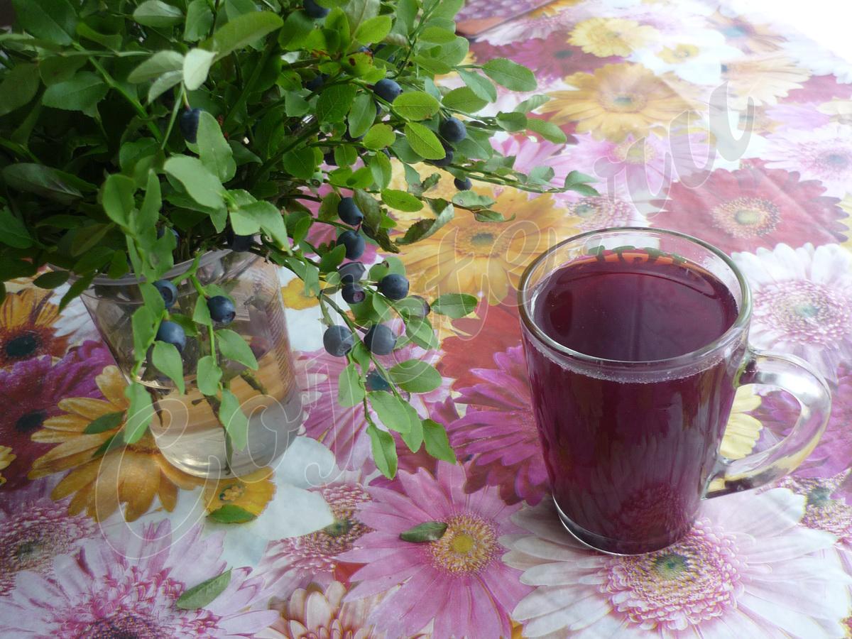 Чашка черничного чая