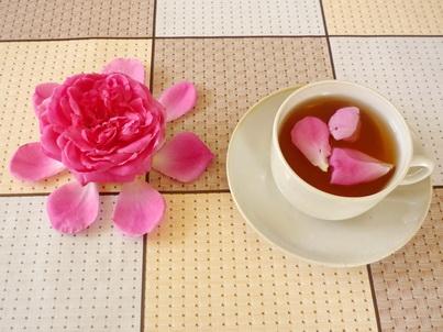 Чай из лепестков розы