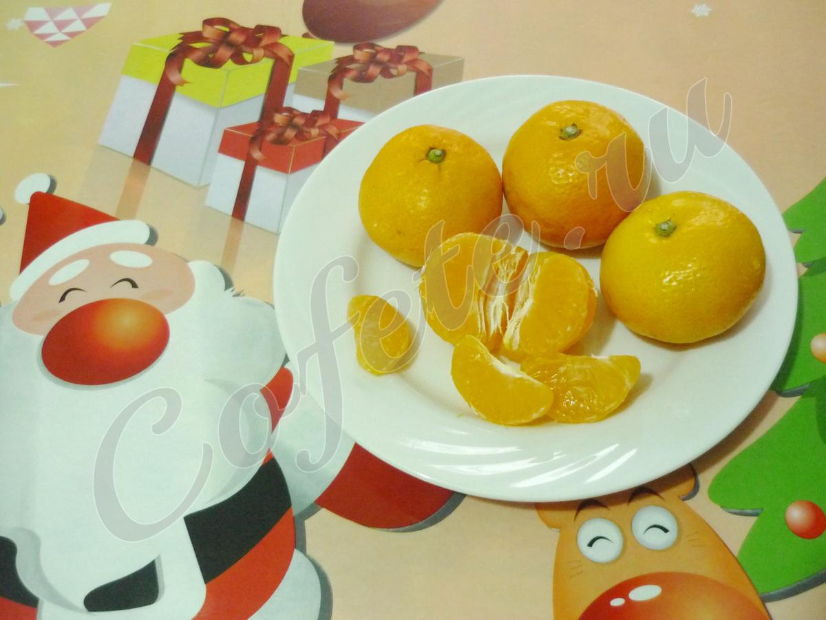 Чистим мандарины