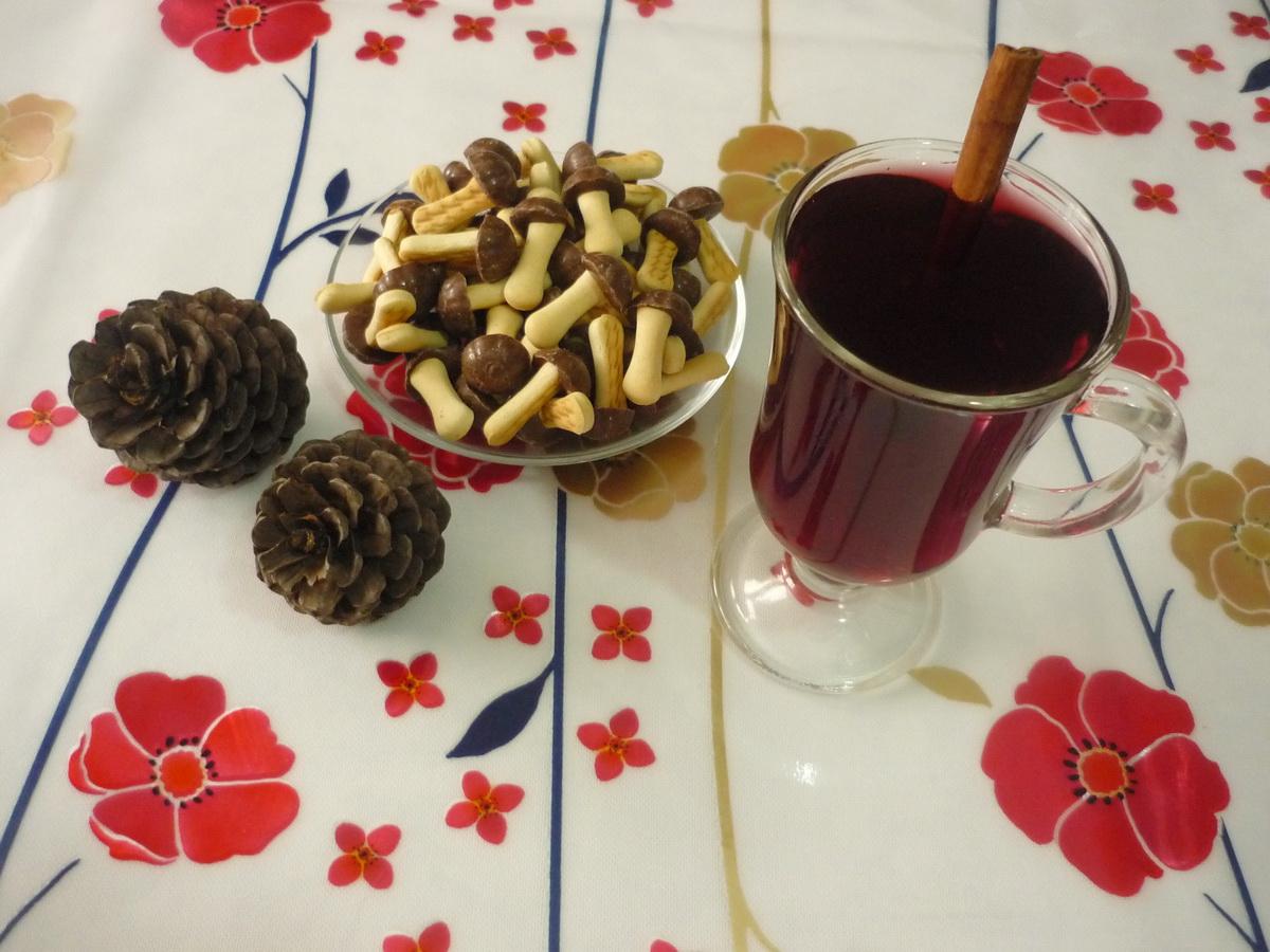 Глинтвейн из красного вина с корицей