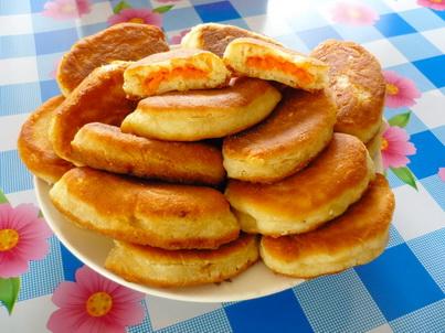 Готовые жареные пирожки с тыквой