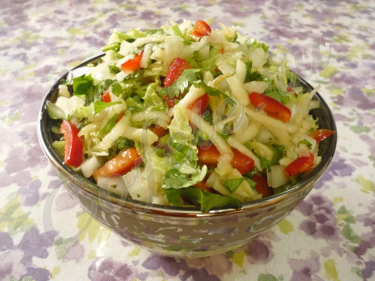 Готовый салатик с пекинской капустой