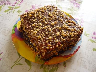 Готовый торт из печенья