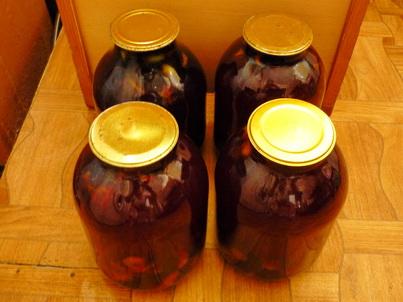 Готовый сливовый компот в бутылях на зиму