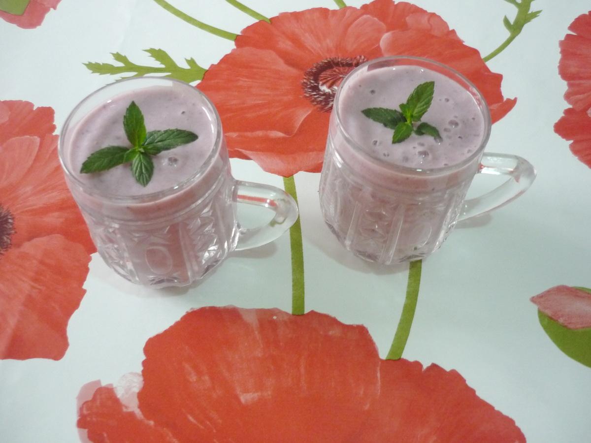 Готовый йогурт с ежевикой