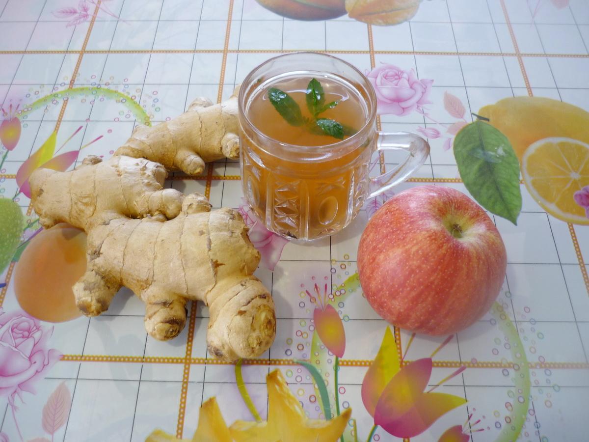 Имбирный чай от простуды с малиновым вареньем