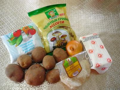 Ингредиенты супа из сушёных грибов с картофелем