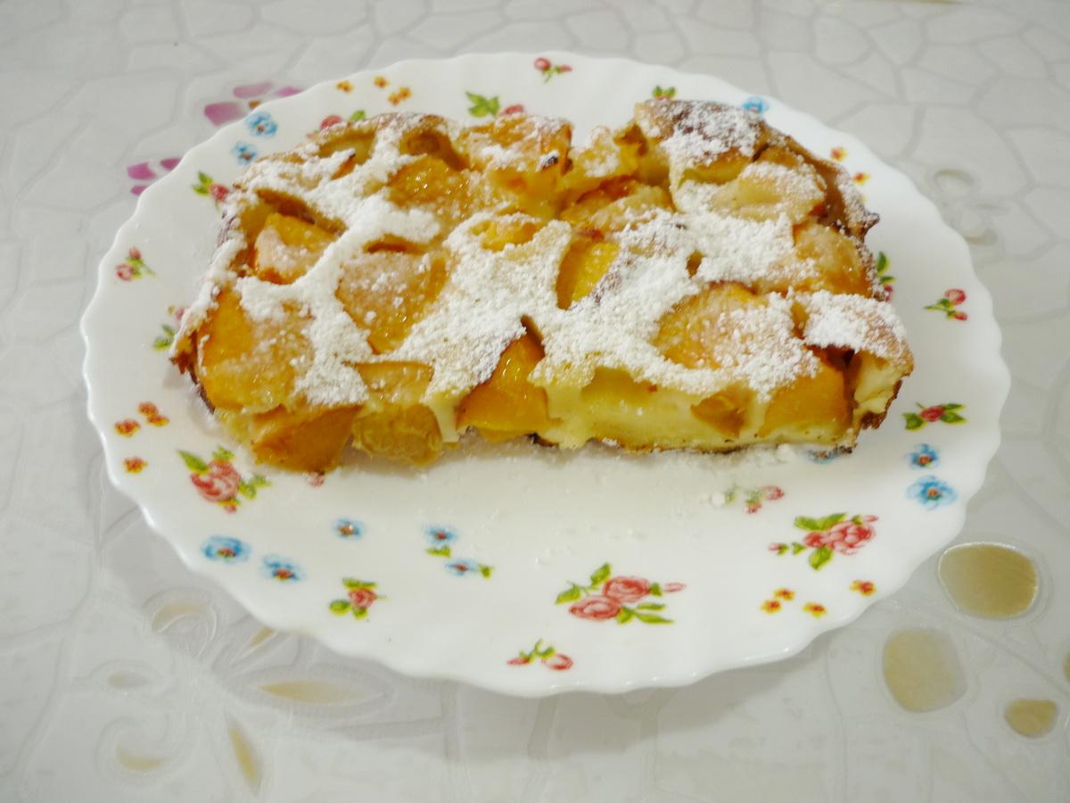 Клафути с сахарной пудрой