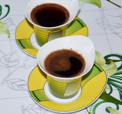 Две чашки заварного кофе