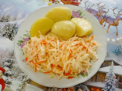 Квашеная капуста с варёной картошкой