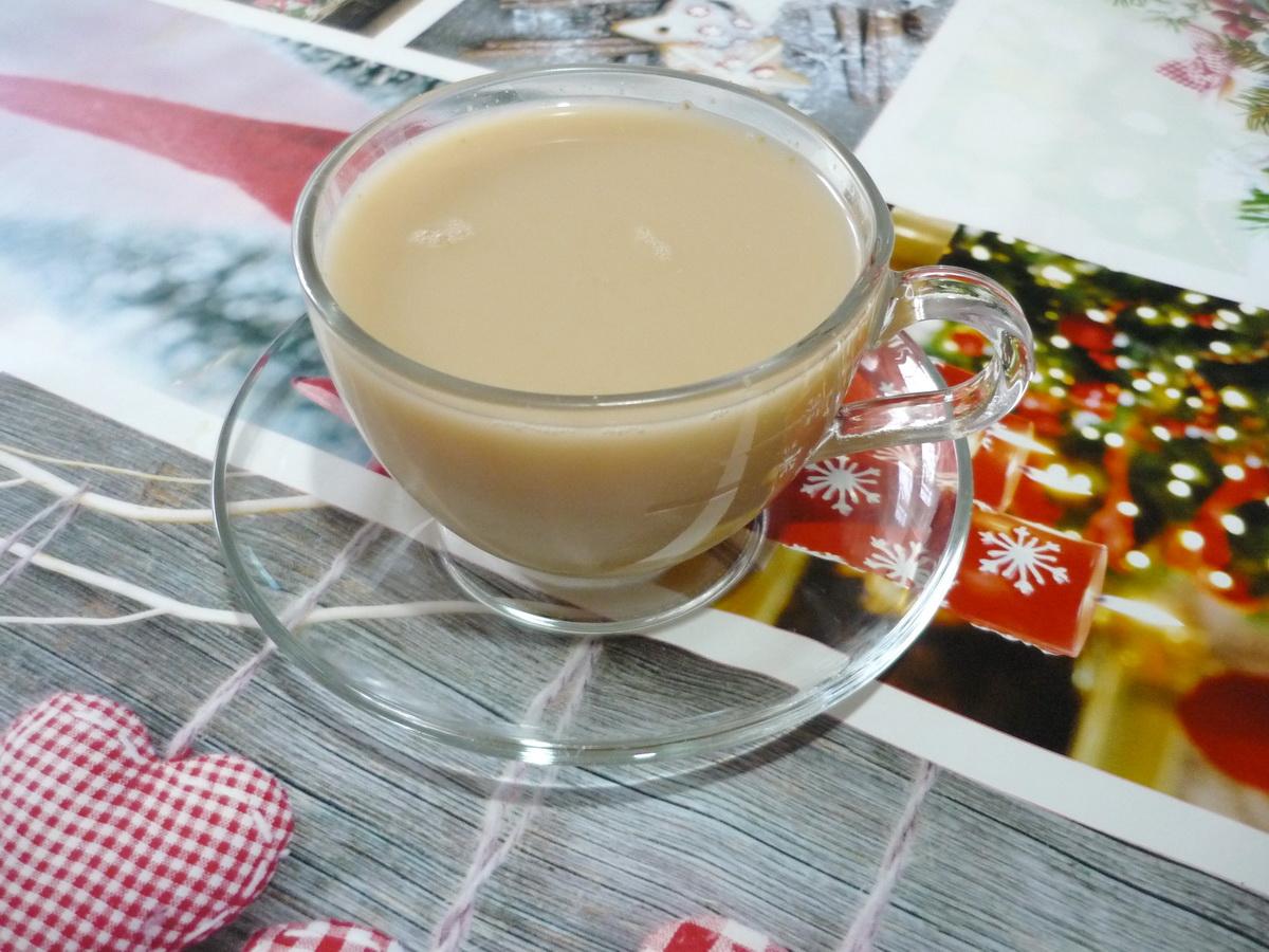 Масала чай на столе