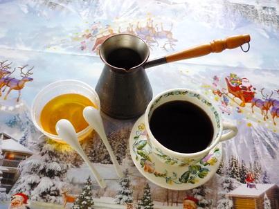 Натуральный мёд и кофе