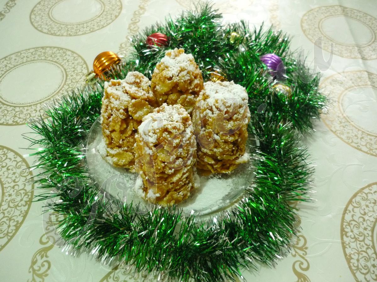 Новогодний десерт еловые шишки