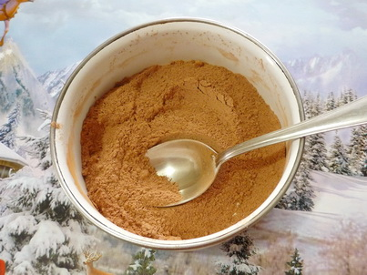 Перемешиваем сухие составляющие шоколадной пасты