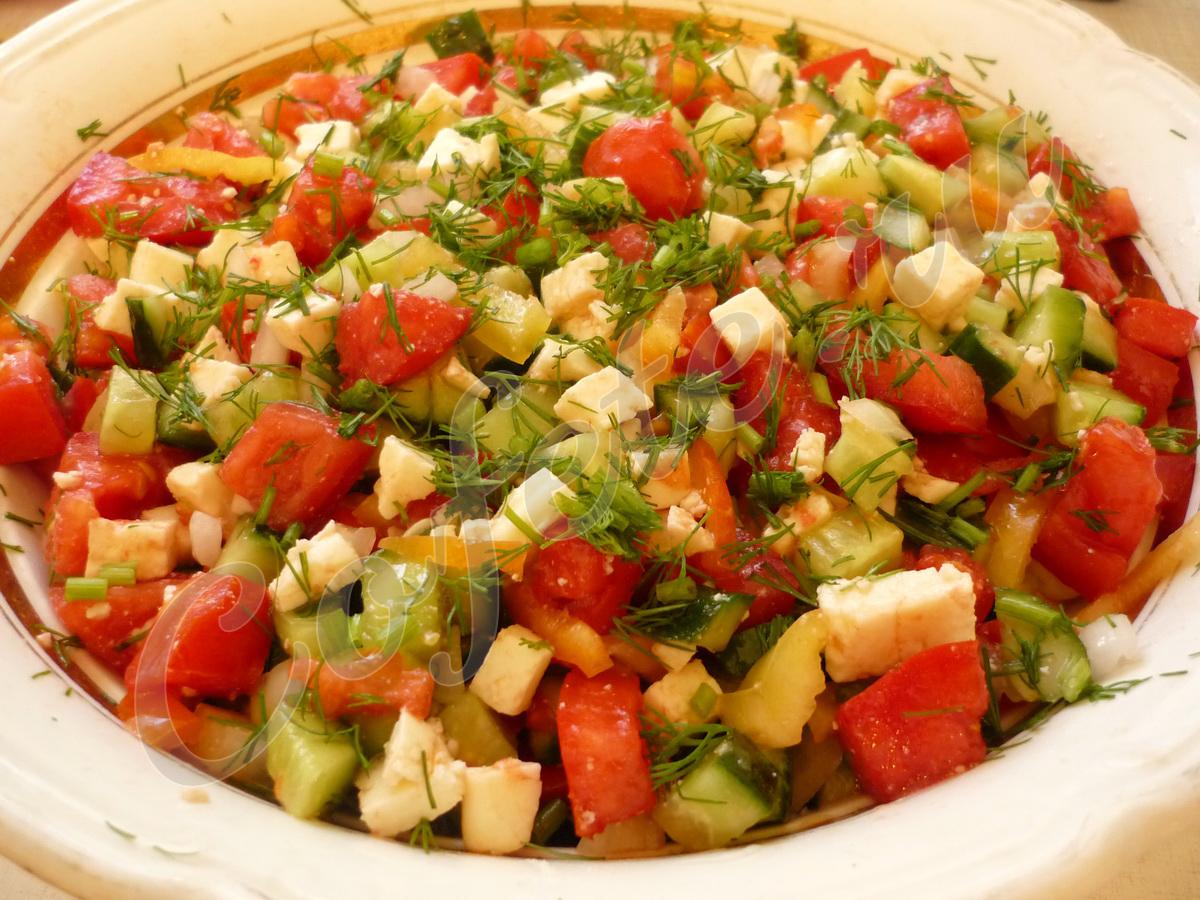 Салат с адыгейский сыром