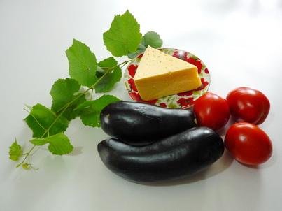 Ингредиенты салата из жареных баклажанов