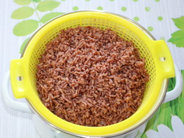 Отваренный красный рис