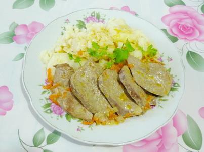 Свиная печень с картофельным пюре