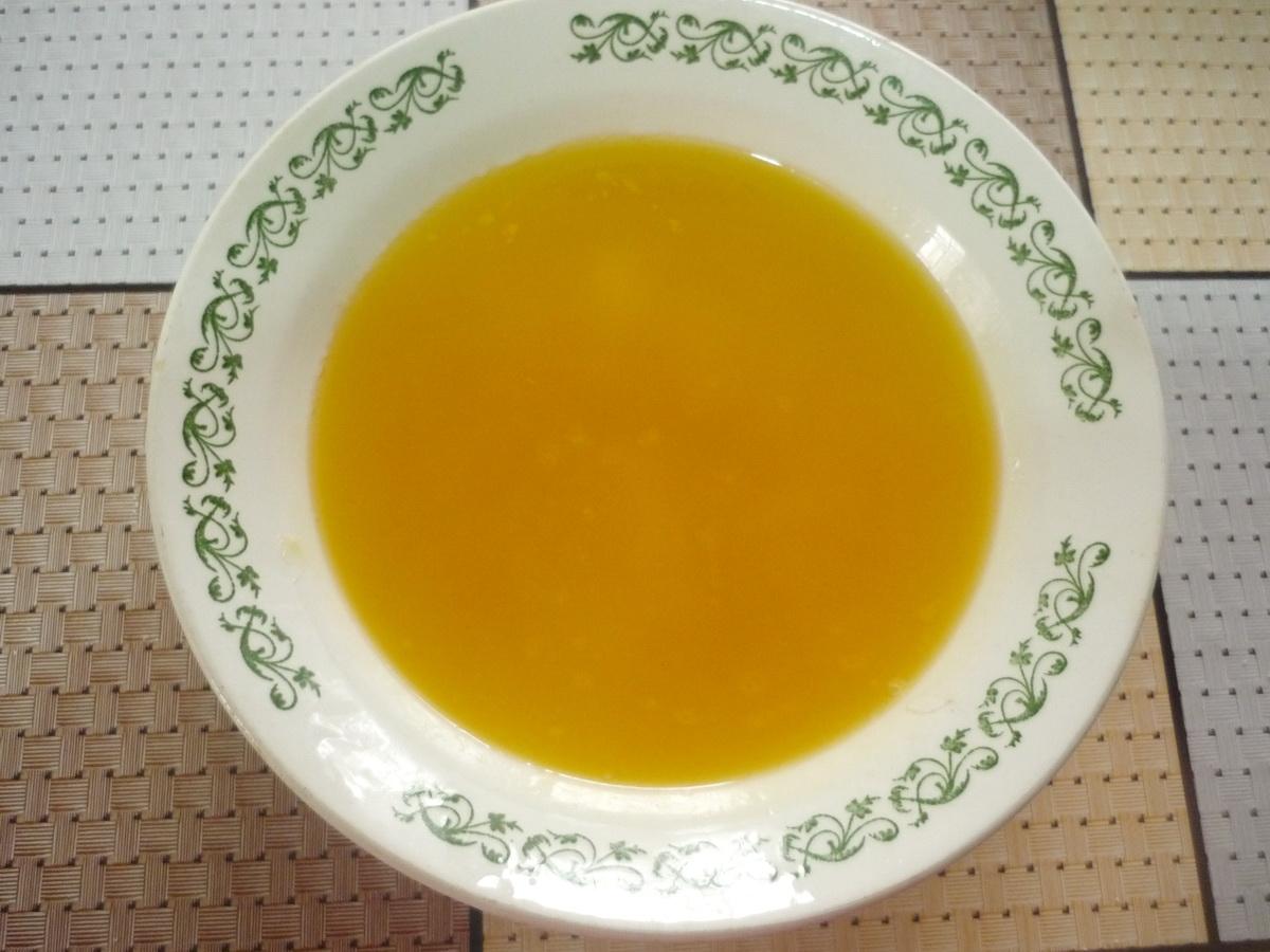 Тарелка с жидким маргарином