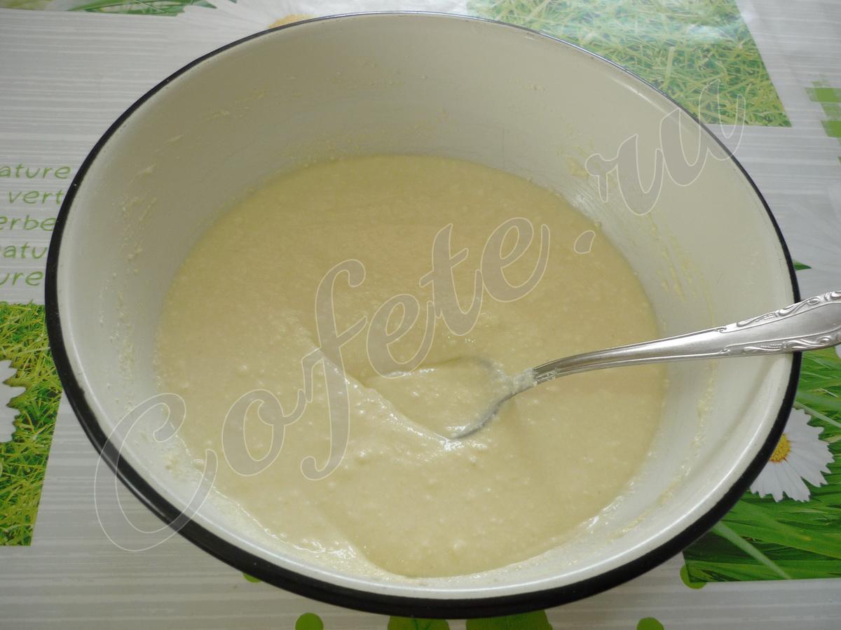 Замешиваем тесто для запеканки