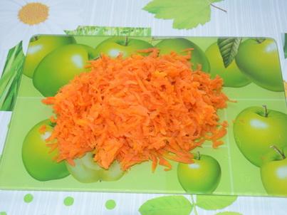 Трём вареную морковь