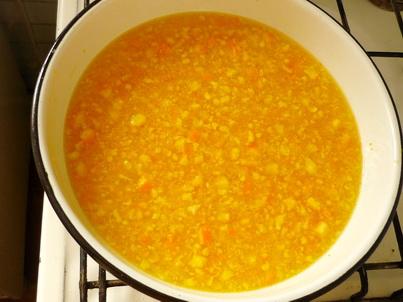 Заливаем кипятком апельсиновую массу