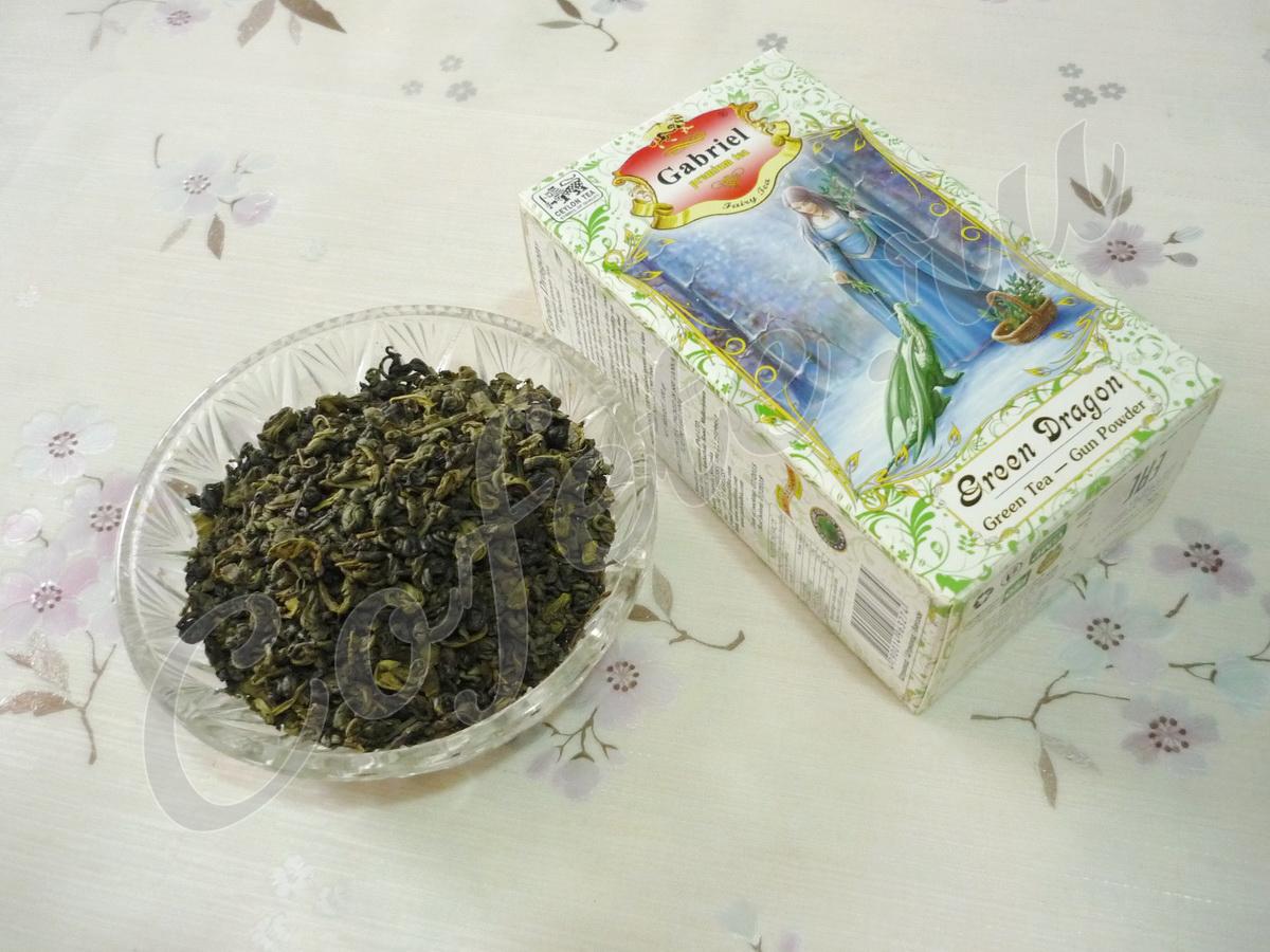 Зелёный чай в блюдце