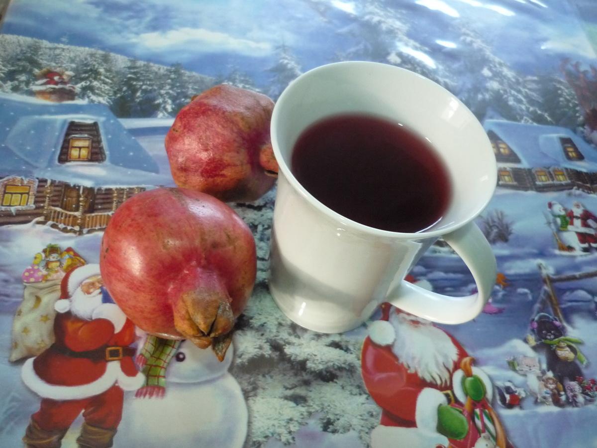 Зимний гранатовый напиток